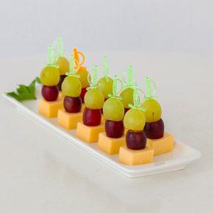 kanape-syr-vinograd